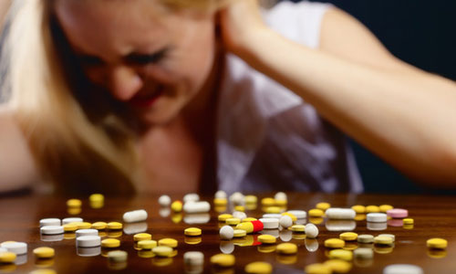 Drug addiction following pain killer prescription, is this worse for women?